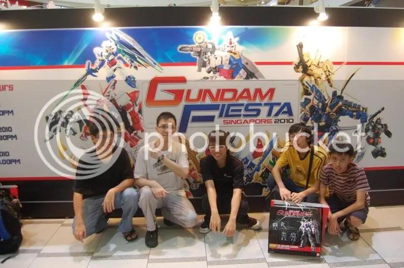 gundam,fiesta,2010,group picture,hangar bay b-07,silentstronghold,musica,falsez