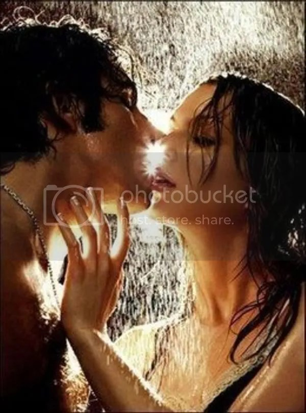 kissing under the rain Pictures, Images and Photos