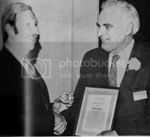 Robert Pecsok receiving award from Morton Fainman photo bc04db2d-44a4-4742-afa5-2779957db59a.jpg