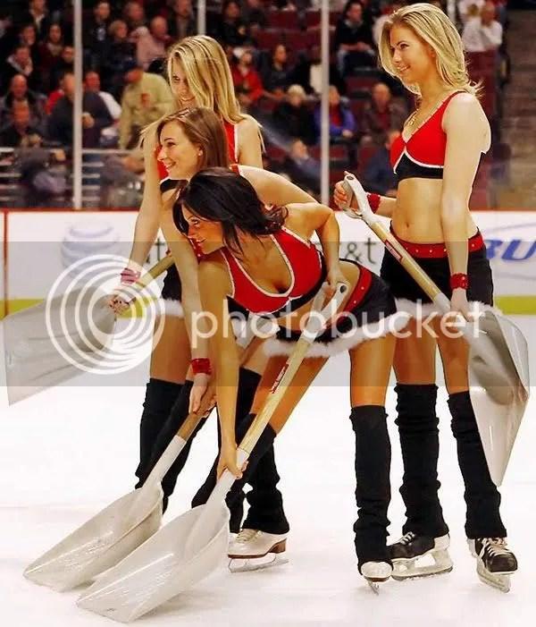 hottest ice girls,ref you suck!