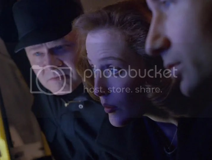 Mientras las otras niñas jugaban con sus Barbies, Scully jugaba a identificar barcos de la Segunda Guerra Mundial