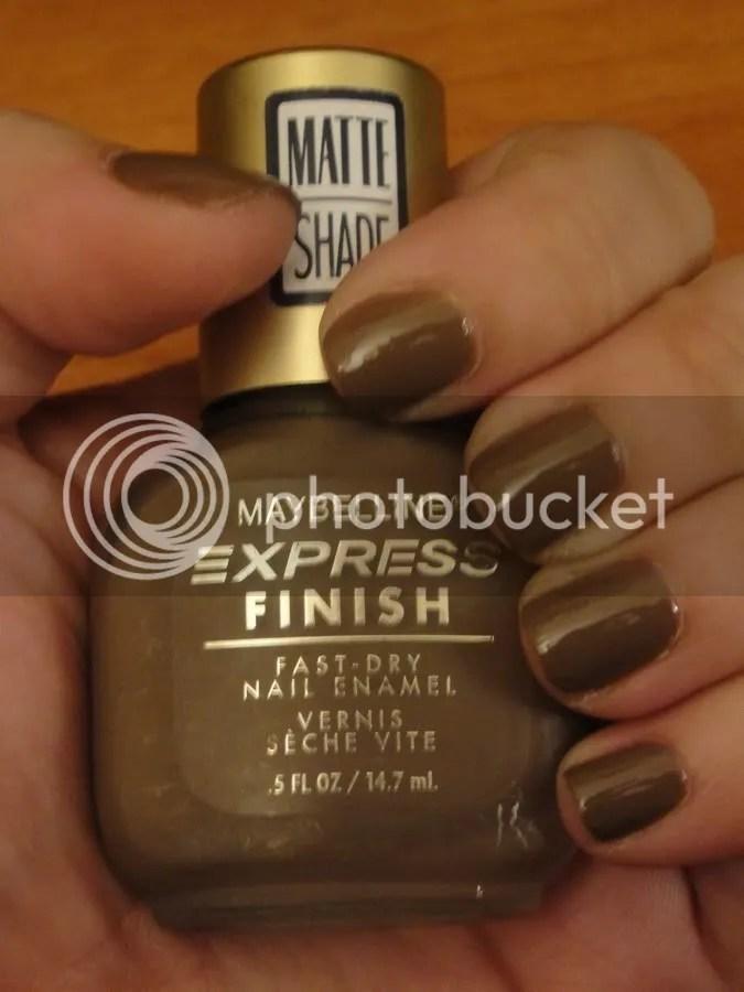 MOJ Maybelline Nails