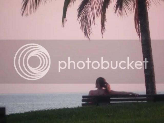 Moça na Praia