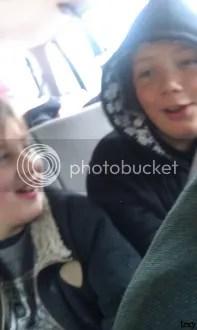 Noah/Jonas in the backseat (trzy)