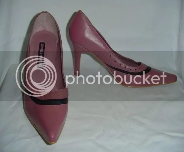 9ecda9b2e Vendo sapato scarpin na cor rosa antigo, marca Gabriela Sanchez. Nunca foi  usado, super confortável. Tamanho 37.