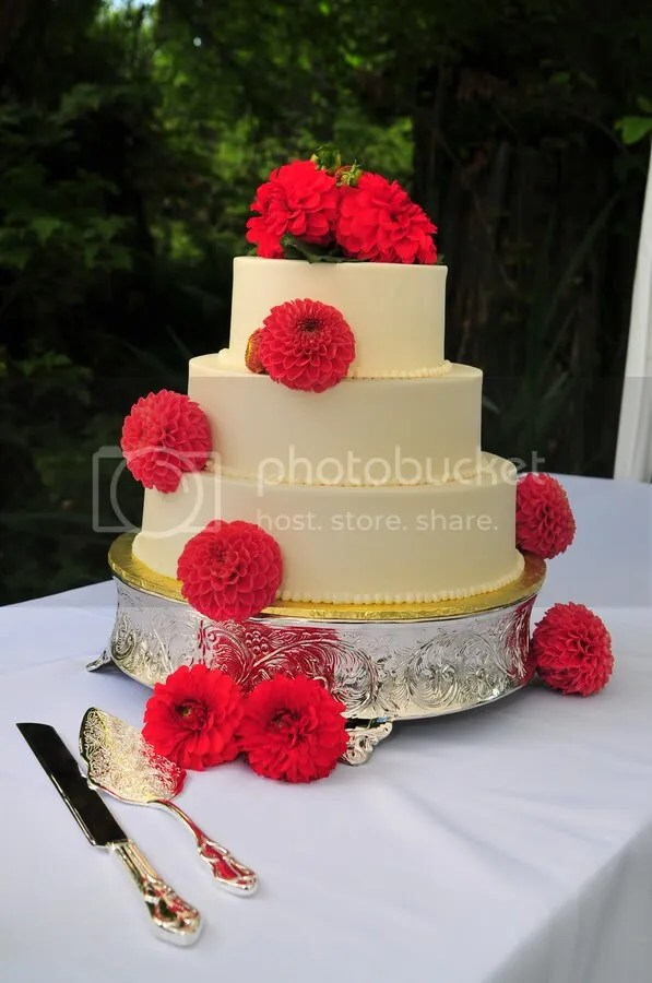 Wedding Cake with Dahlias
