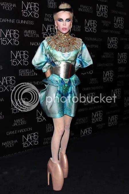 Guarda-roupas de Daphne Guinness ganhará exposição no FIT Museum