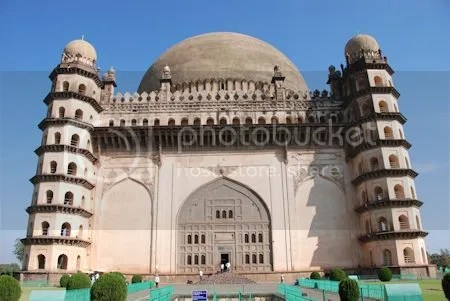 photo DSC_0168GolGumbaz.jpg