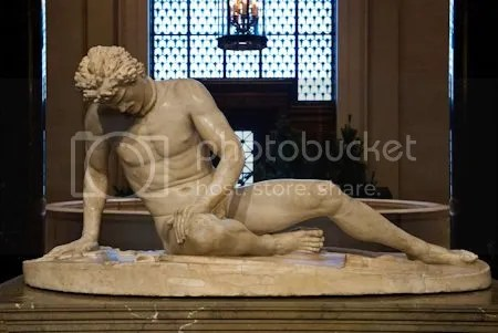 photo DyingGaulAncientRomanSculptureFirstSecondCenturyAD.jpg