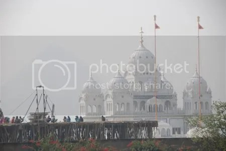 photo DSC_1619PushkarSikhTempleInTheDistance.jpg