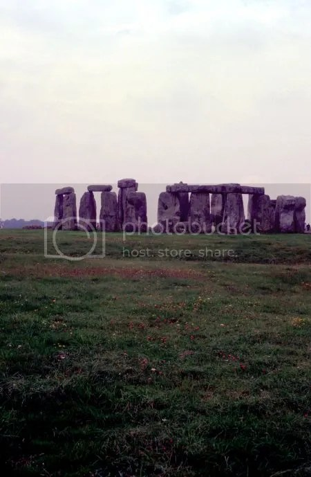 photo 058Stonehenge.jpg