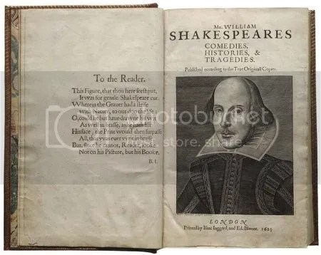 photo FirstFolioTitlePagePortraitOfShakespeareMartinDroeshoutShakespeare1623Engraving.jpg