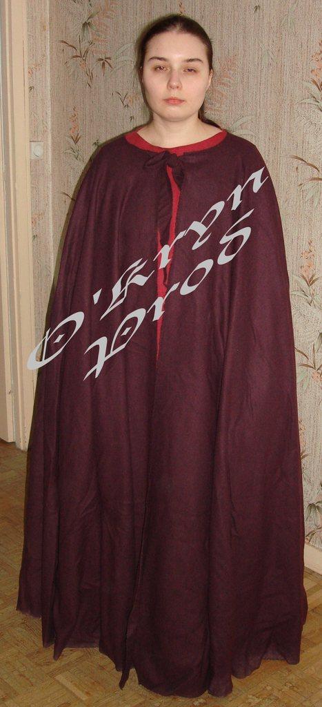 cape costume médiéval