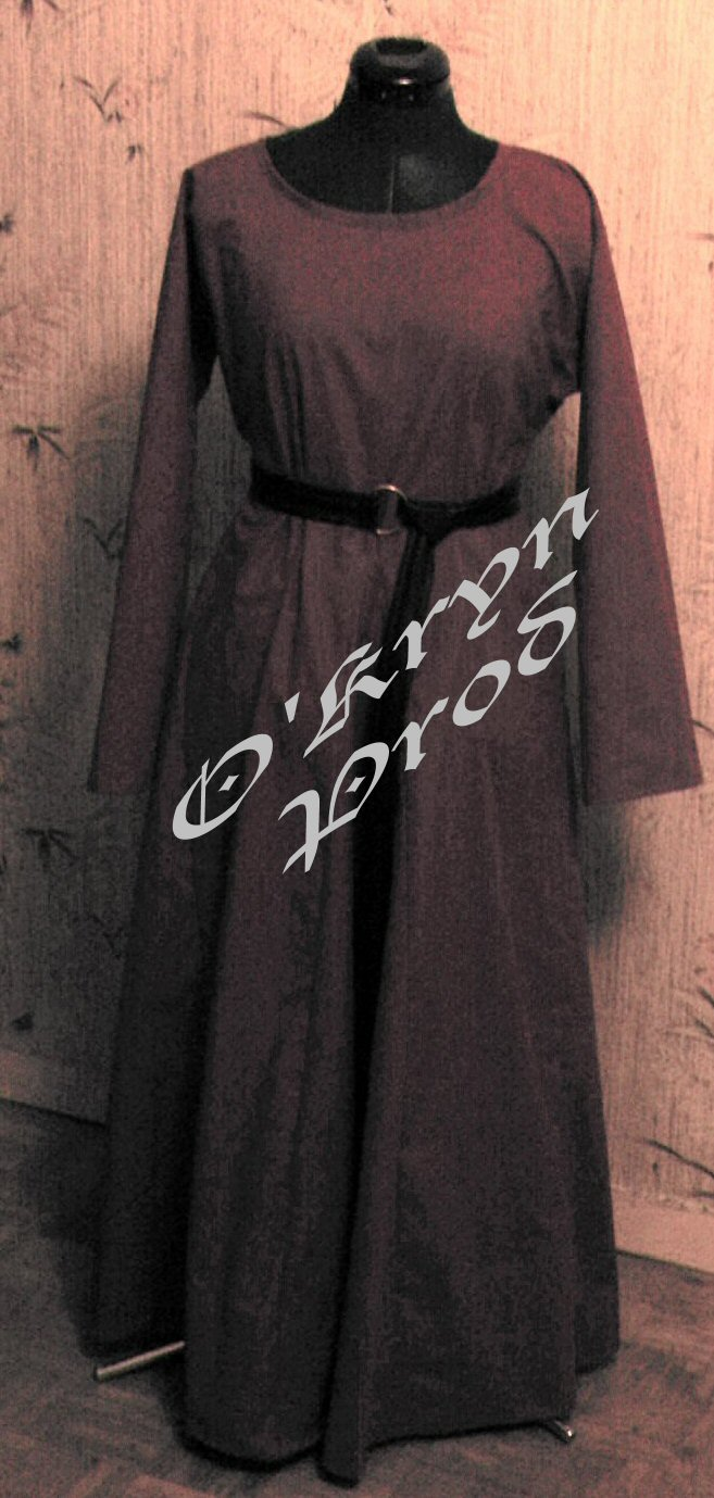 bliaud rouge couture robe médiévale O'Kryn Prod medieval dress sewing