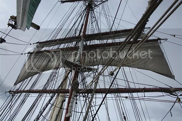 Lower topsail