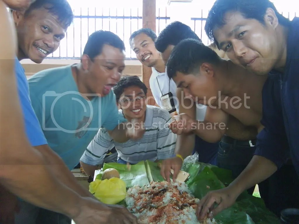 Boodle fight in Shariff Aguak