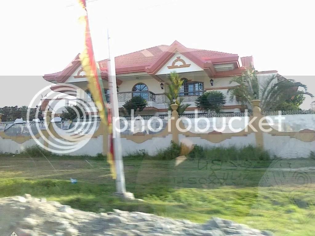 Ampatuan mansions in shariff aguak
