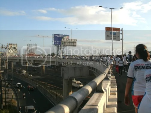 condura skyway marathon pictures.jpg