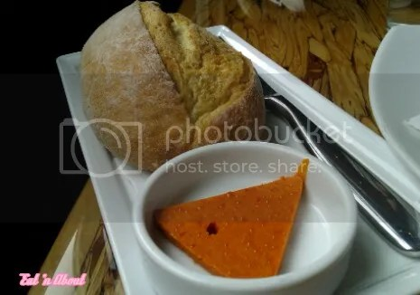 Chambar: Bread roll and smoked paprika butter