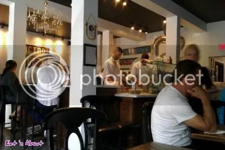 Via Tevere Pizzeria Napoletana interior