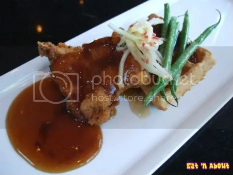hidden Tasting Bar and Social Lounge: Chicken and Waffles