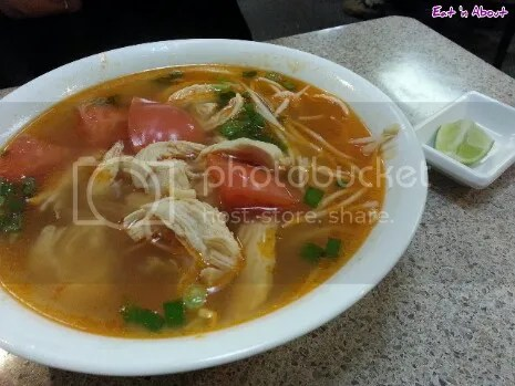Kim Anh: Shredded crab meat and chicken pho
