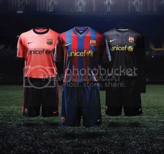 outlet store f052d 3fc3f FC Barcelona 2009/10 Nike Home and Away Kits / Jerseys ...
