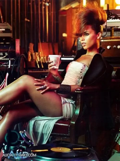 Photos Alicia Keys Gets Supa Sexy For Vogue Hot