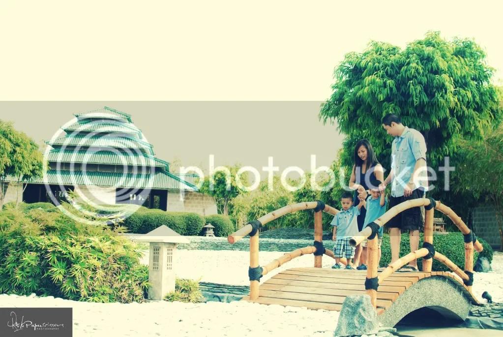 family portrait,photography,plantation bay,beach,vintage,jeffroger kho,gilbert chua