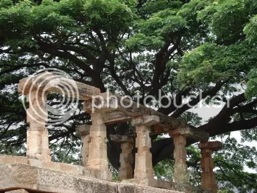 Mantapa outside the temple