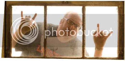 Come to mah window!