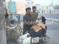 pakistan_street_barber.jpg