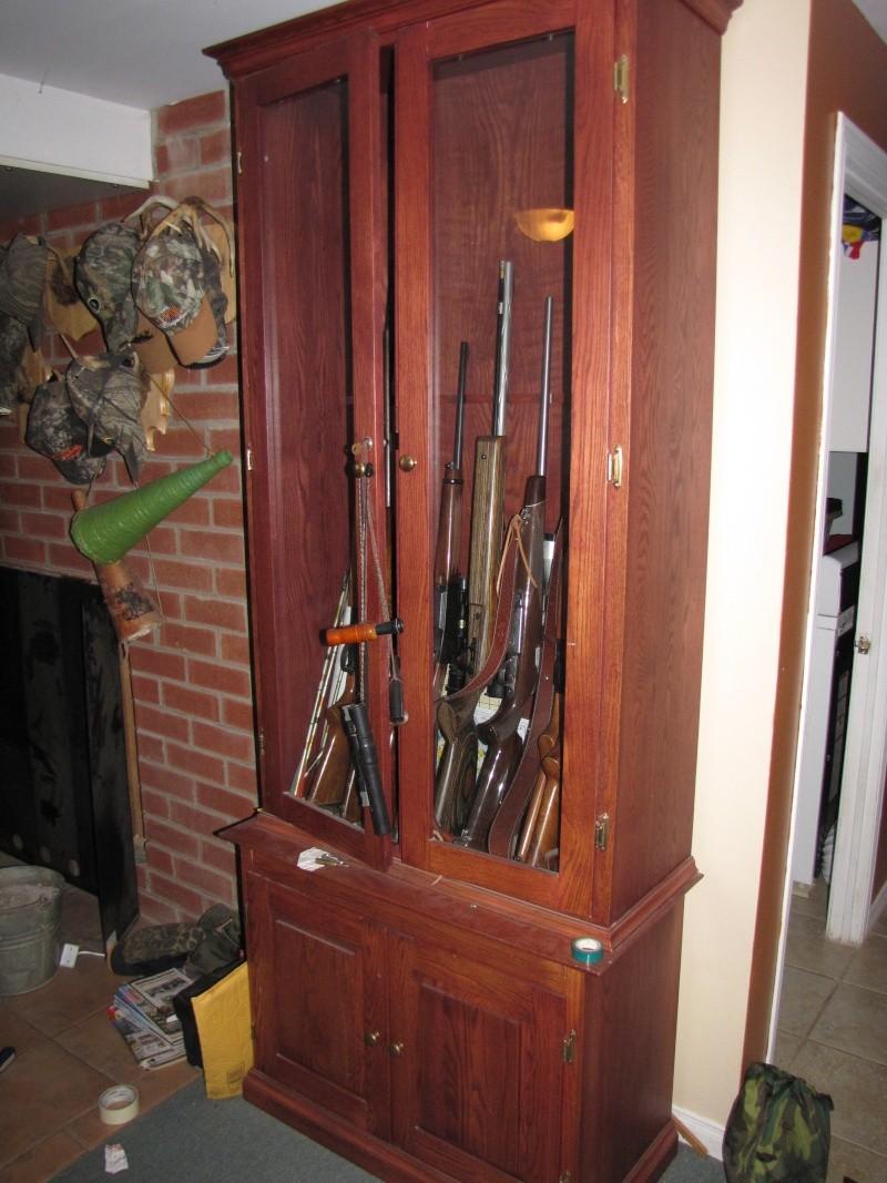 armoire en bois a vendre coffre pour armes