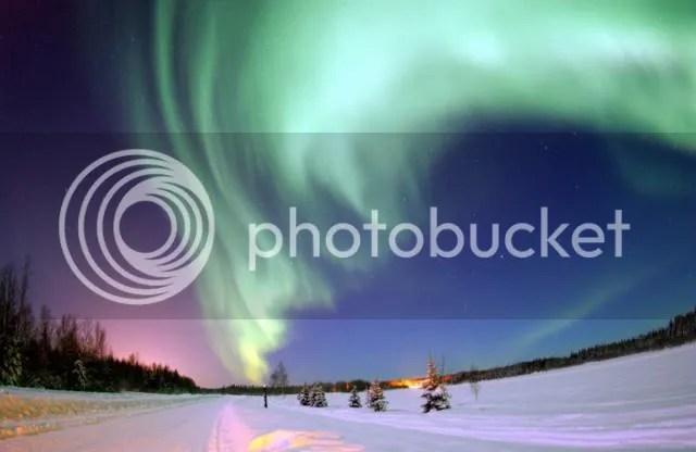 photo 800px-Aurora_Borealis_Alaska_zpsb5512f47.jpg