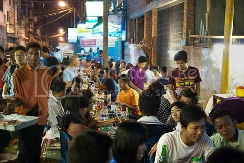 photo china-town-yangon-night_zpsd1d6bad1.jpg