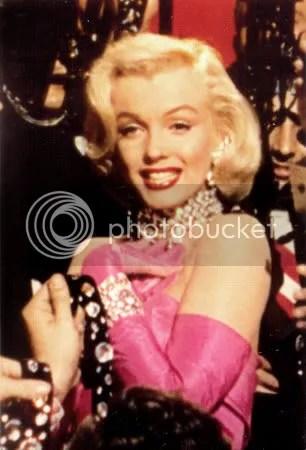 956-018Marilyn-Monroe-Posters.jpg Marilyn Monroe image by eviewho