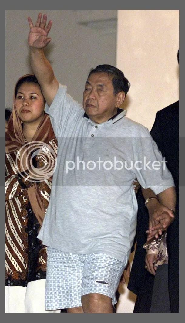 Saat-saat terakhir Gus Dur Meninggalkan Istana Negara