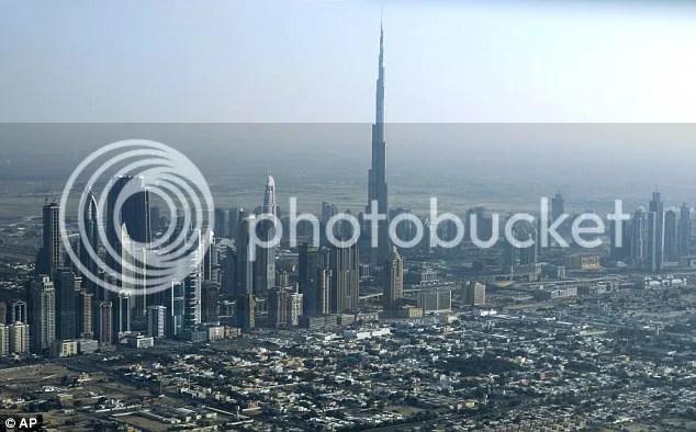 menara burj dubai tertinggi di dunia