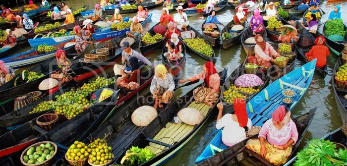 Banjarmasin Floating Market, South Kalimantan, Indonesia
