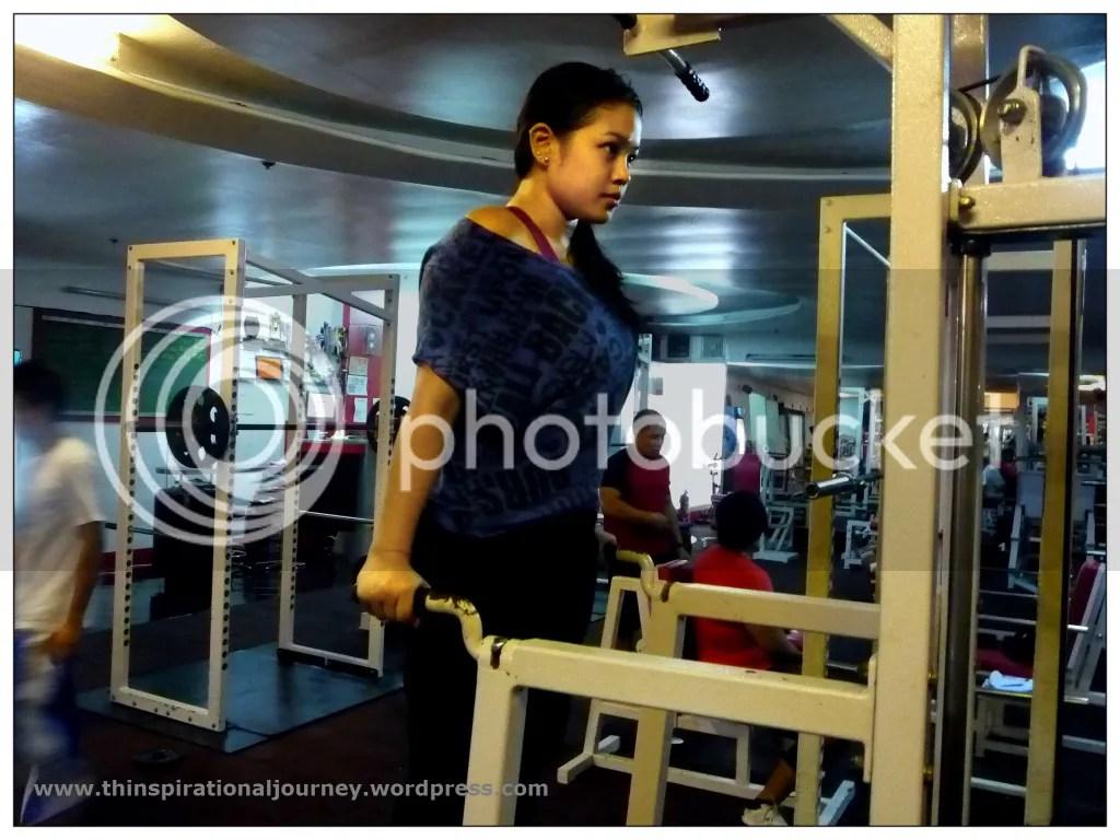 Lara Novales Eclipse Gym machine Dips