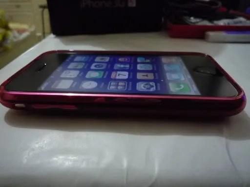 Tampak samping iPhone 3GS