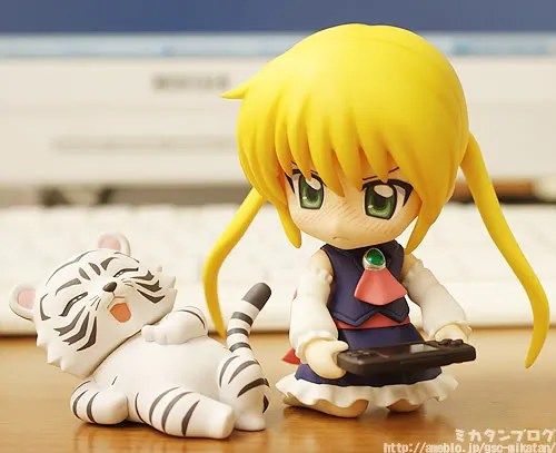 Nendoroid Sanzenin Nagi is having fun