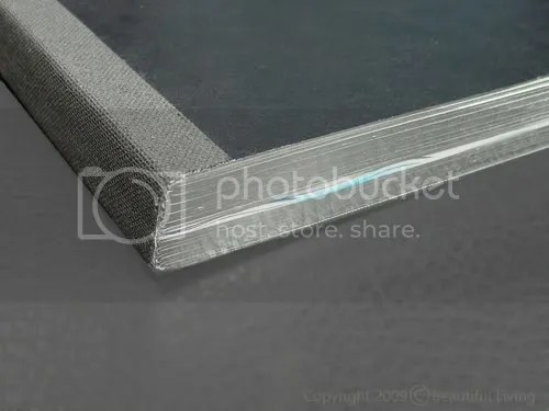 The pages have silver edges that sparkle against the black background and add a sense of elegance.