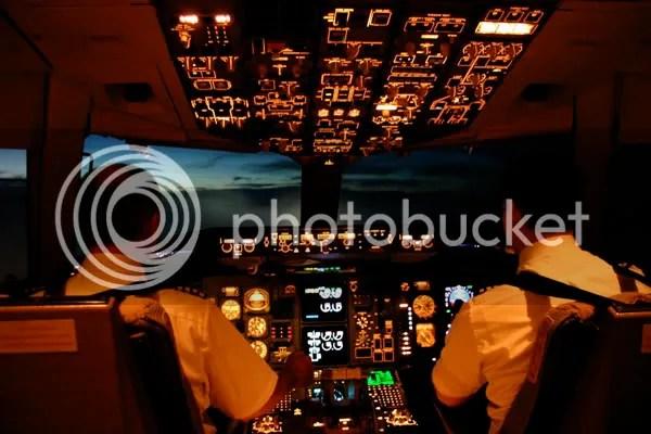 airline pilot photo: Airline Captain AirlinesCaptain1b-1.jpg