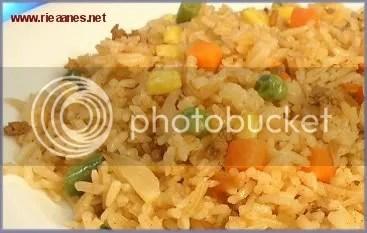 2 3 Cup Spaghetti Sauce 1 Medium Onion Sliced Thinly 2 Cloves Garlic 1 Tbsp Fish Sauce 1 2 Cup Frozen Mixed Vegetables Corn Carrots Green Peas