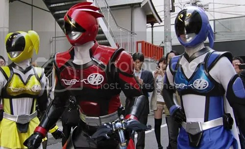 photo hikounin_sentai_akibaranger_08_01_blog_import_529f1093bade3_zpsba822d91.jpg