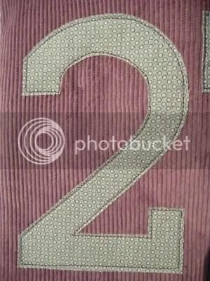 number tote closeup
