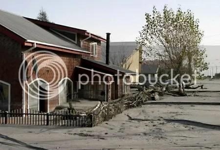Chaitén town flooded. May 2008. © Copyright El Mercurio.