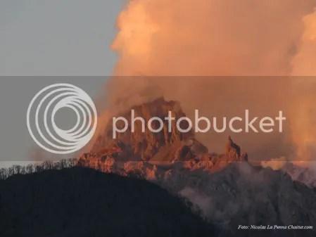 Chaiten Volcano 17 March 2009 (photo Nicolas La Penna Chaitur.com)