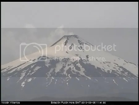 Villarrica volcano 5 March 2010 (OVDAS Pucon webcam)